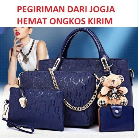 Tas Branded Wanita Fashion Wanita 4 In 1 Dengan Boneka Coklat ... e97035f441