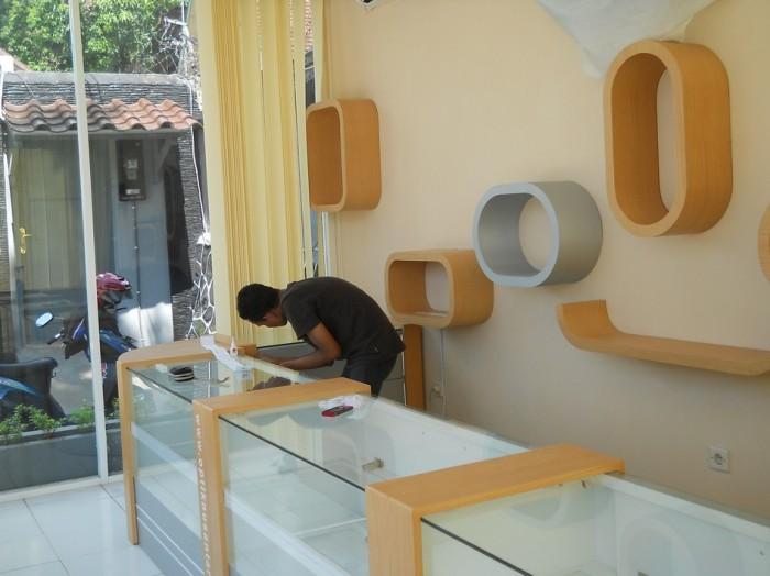 Jual Jual Etalase Display Interior Toko Kosmetik Parfum Semarang