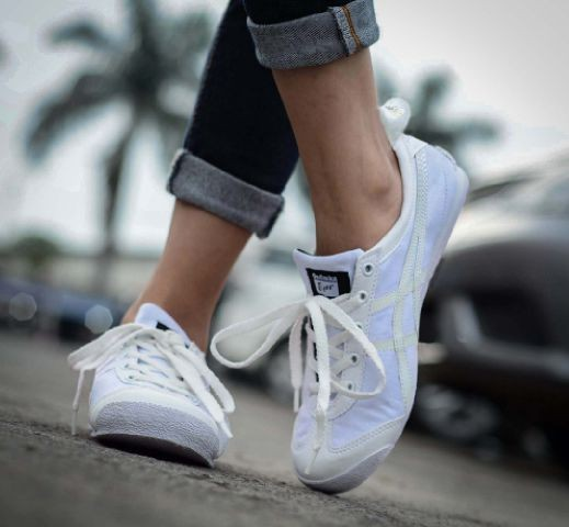 Jual Sepatu wanita casual sneakers trend gaya terkini Asics Tiger ... b0f9be9b60
