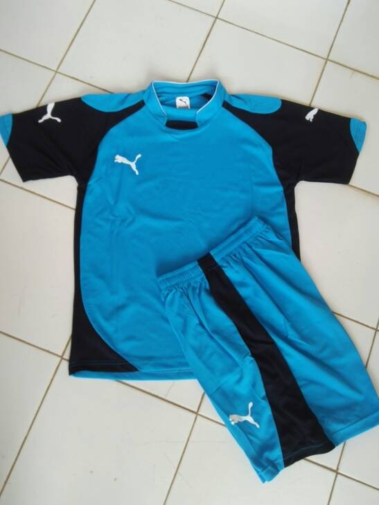 Setelan Baju Olahraga Puma  Sepak bola Badminton Kaos gym Futsal  Voly 59e89be873