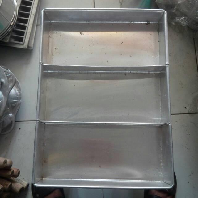 Jual loyang/brownies/medium/sekat 3/cetakan/kue/sponge ...