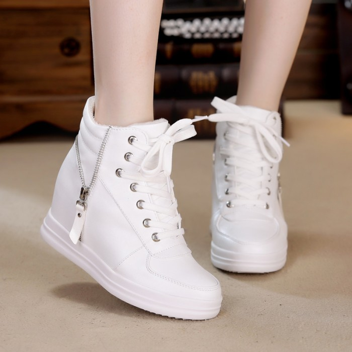 Boots / sepatu boot / boot wanita / wedges boots zipper white
