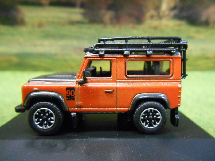 harga Oxford 1:76 land rover defender 90 adventure Tokopedia.com