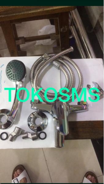 harga Kran air shower panas dingin model toto dan wasser bisa untuk ariston Tokopedia.com