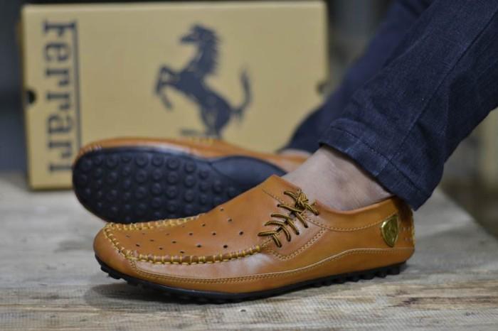 harga Sepatu pria casual rajut tan ferrari nico Tokopedia.com