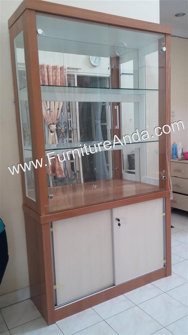 harga Lemari rak pajangan display cabinet crystal kaca 2 pintu - besta Tokopedia.com