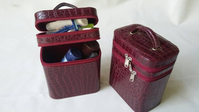 harga Tas make-up|beutycase crocodile maroon Tokopedia.com