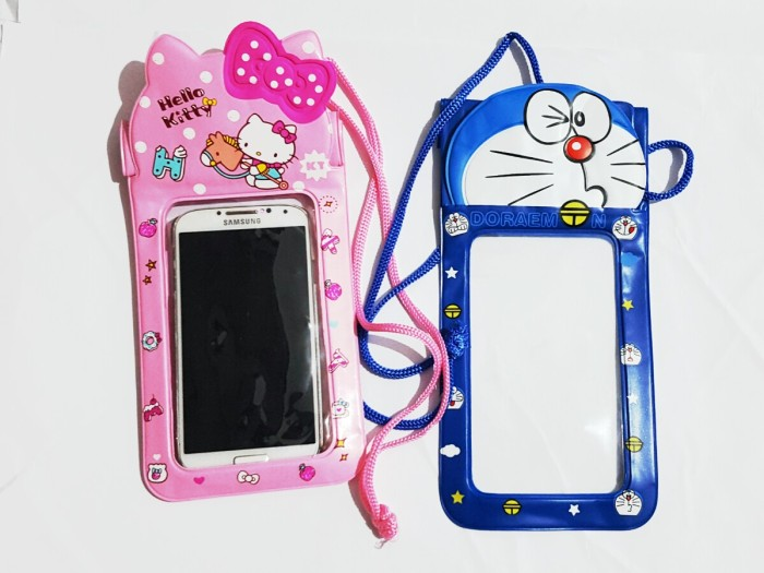 harga Sarung hp waterproof hand phone case hello kitty doraemon Tokopedia.com
