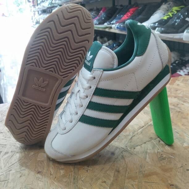 san francisco 6a2ac acfa3 Sepatu ADIDAS COUNTRY WhiteGreen G26687 Original Indonesia