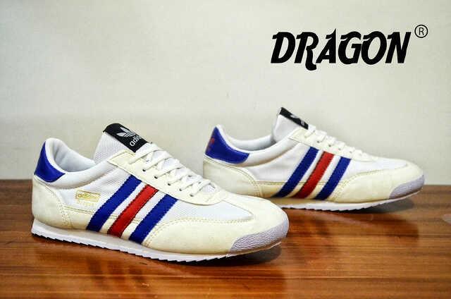 Jual ADIDAS DRAGON WHITE CASUAL ORIGINAL FOR MEN - GRAHA FOOTWEAR ... 2f116d6c34