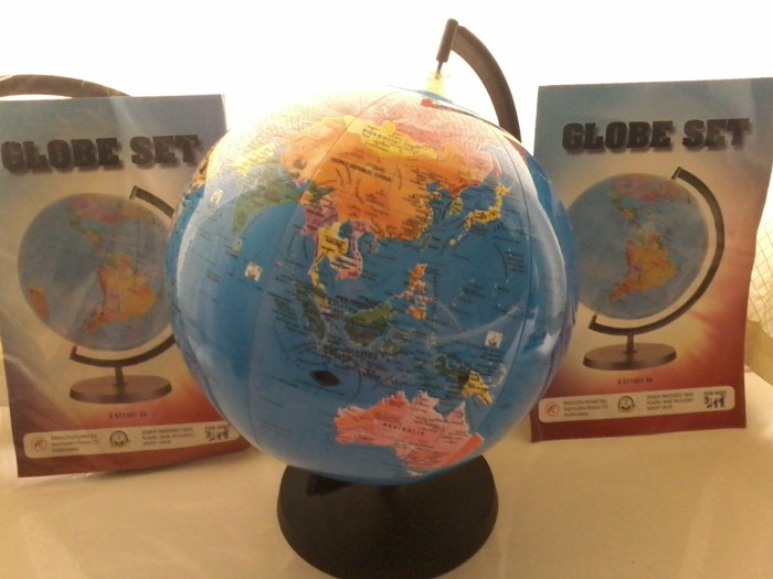 harga World globe bola dunia mainan tiup gambar atlas cocok souvenir hadiah Tokopedia.com