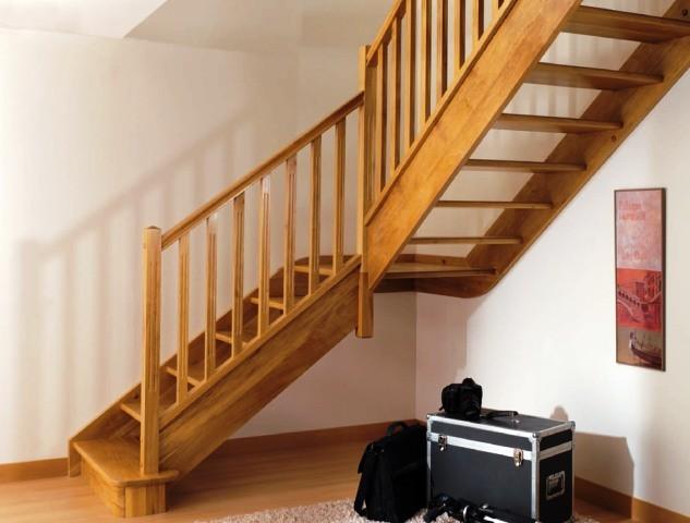 Jual pegangan tangga kayu instalasi project arena for Escaleras kotas