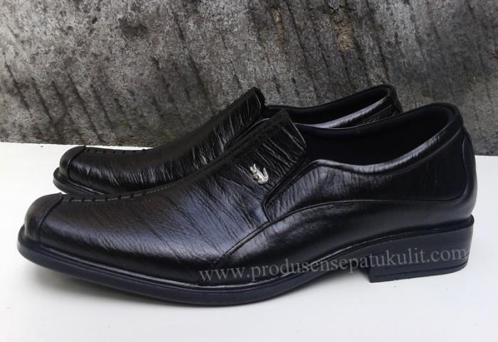 Jual Sepatu Kulit Asli Crocodile SFO 011 468841b9e6