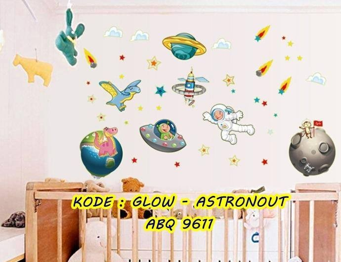 jual wall sticker glow in the dark astronout - mw wall sticker