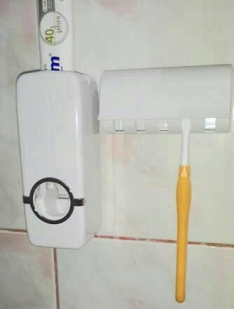 harga Dispenser odol buat sikat gigi Tokopedia.com