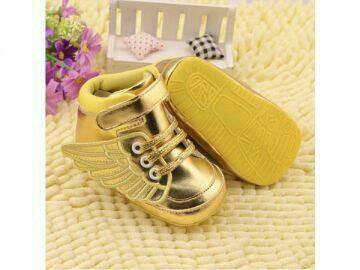 harga Sepatu prewalker bayi import guess semiboot gold wing - new model Tokopedia.com