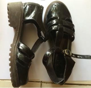 Info 13th Shoes Travelbon.com