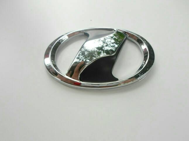 Foto Produk Emblem Logo Vitz Yaris Chrome dari Arshiya Shop