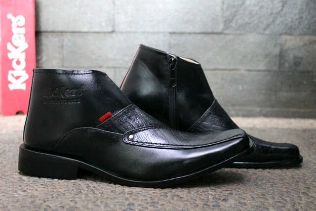Kickers Pantofel Zipper - Black ( Terlaris , Cuci Gudang )