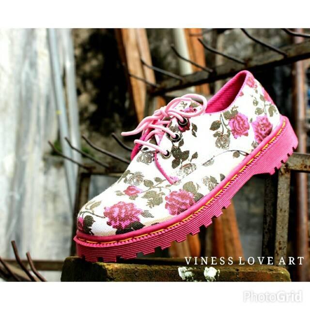 harga Sepatu docmart wanita murah m2m bandung vinness mormon Tokopedia.com