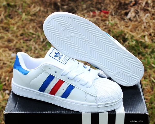 Jual Sepatu Adidas Superstar Putih Strip Biru (casual 901d78caba