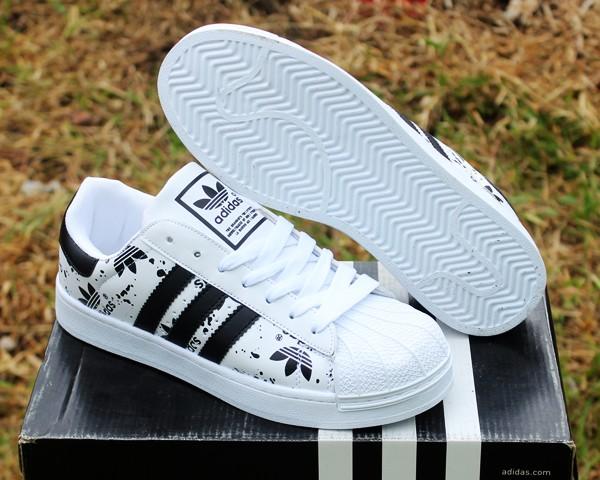 Jual Sepatu Casual Adidas Superstar Putih Strip HItam (terbaru 1a8bcec41f