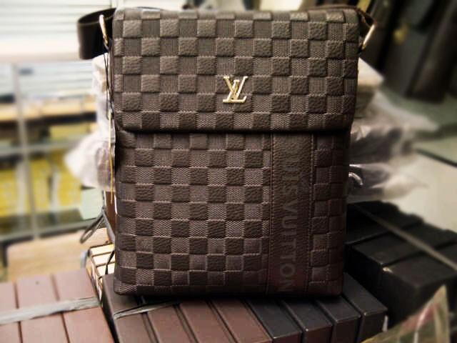 Jual Tas LV Pria Selempang Premium Louis Vuitton Man - dompet-tas ... 84d9817d37