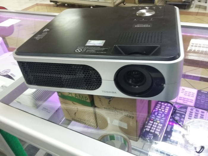 Toshiba TLP X2000 SECOND Projector