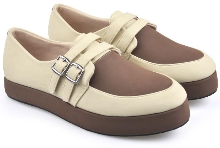 harga Sepatu casual wanita / sepatu boot docmart wanita terbaru iwc 859 Tokopedia.com