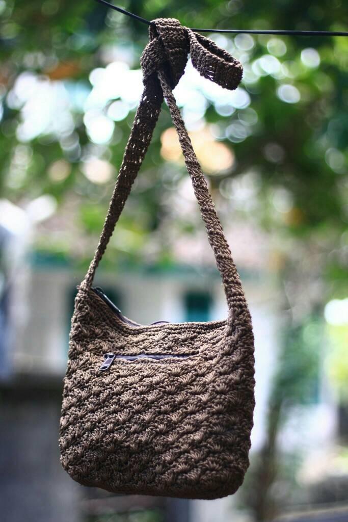 harga Tas selempang bali kecil rajut handmade crochet   tas rajut bali Tokopedia.com