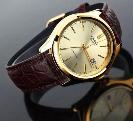 Если же модель настолько редкая, что ее нет в рф, то наш статус официального дилера предоставляет возможность заказать эти часы непосредственно на фабрике в швейцарии, при условии, что модель еще производится.