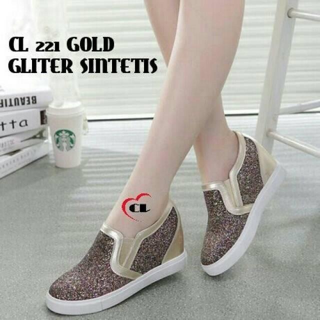 sepatu slip on glitter gold
