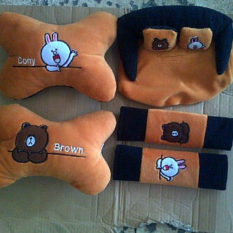 Bantal 3in1cony & brown line .