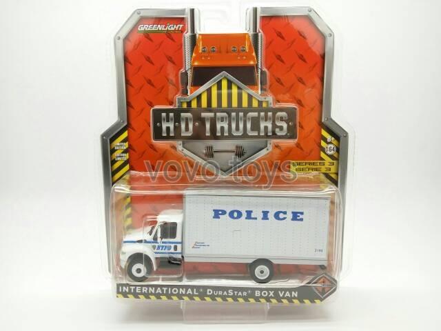 Greenlight 1:64 NYPD 2013 International Durastar Box Van Police Dept