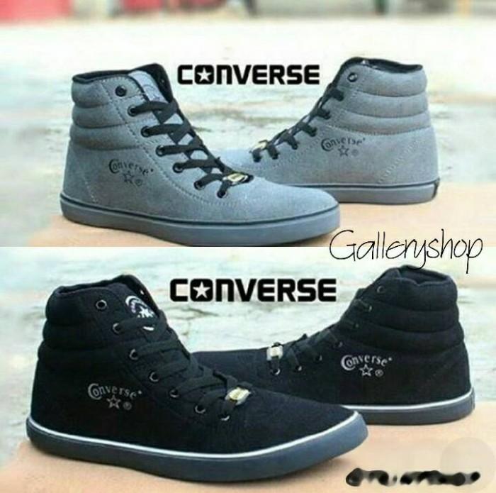 Jual Sepatu Converse Suede Hi Pria Warna Abu   Hitam Keren Murah ... b78502ed1c