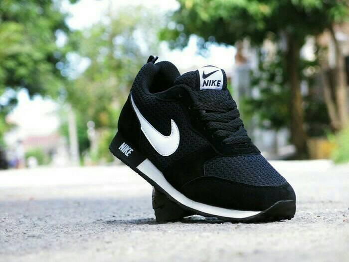 harga Nike running shoes waffle black white premium Tokopedia.com