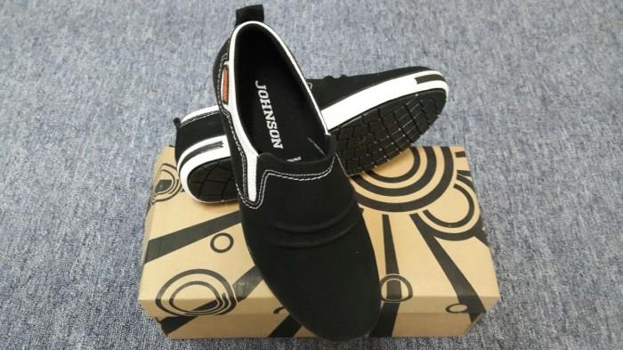 harga Sepatu pria casual stylish shoes jalan santai kain slip on murah 03 Tokopedia.com