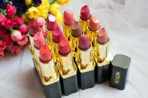 Katalog Lipstik Revlon Travelbon.com