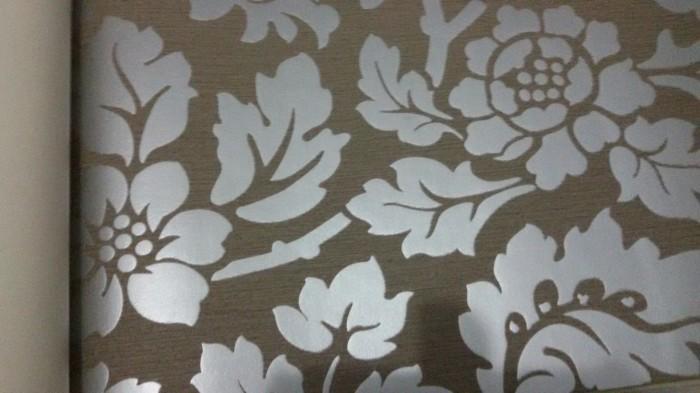 Wallpaper murah motif timbul (embos)