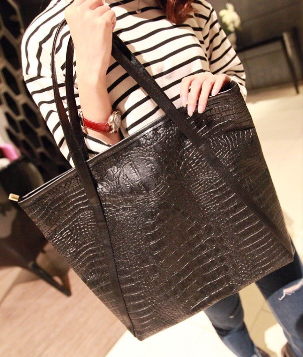 harga Tas kulit hitam motif kulit buaya / animal crocodile motif bag bta008 Tokopedia.com