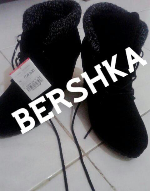 Katalog Sepatu Bershka Travelbon.com