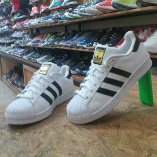 official photos 77c90 05fe6 Sepatu adidas superstar original (made in indonesia) harga ...
