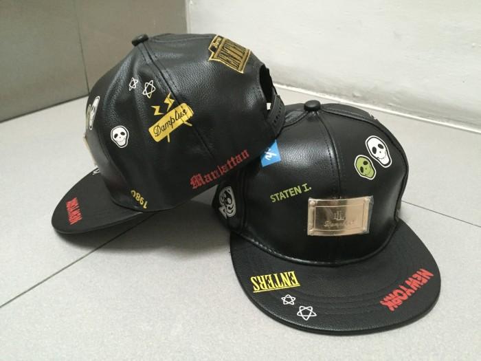 Topi snapback Rocker tengkorak kulit impor