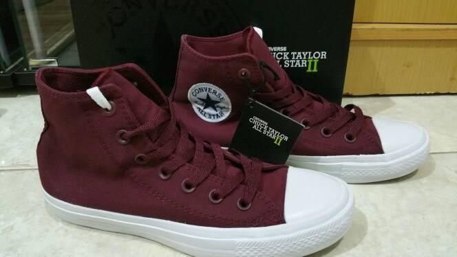 0dd877e885b3 Jual Sepatu Kets Converse Chuck Taylor 2 CT2 High Maroon - Kota ...