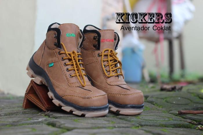 Jual Sepatu Kickers Safety Boots Pria Aventador Coklat - Laavoila ... c091ba7fb1