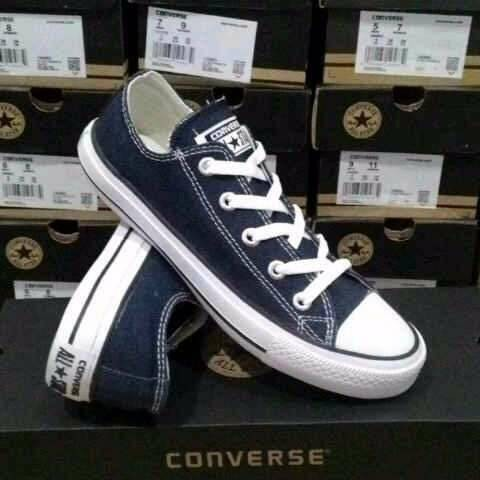 harga Sepatu casual sporty wanita / pria convers all star navy Tokopedia.com