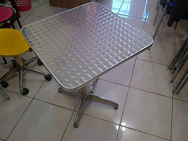 harga Meja stainless aluminium kotak kursi outdoor pujasera kantin cafe kafe Tokopedia.com