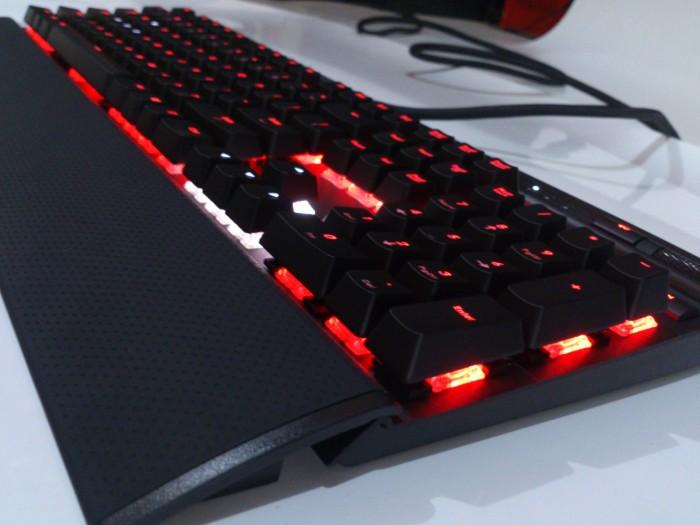harga Corsair gaming keyboard vengeance k70 rgb Tokopedia.com