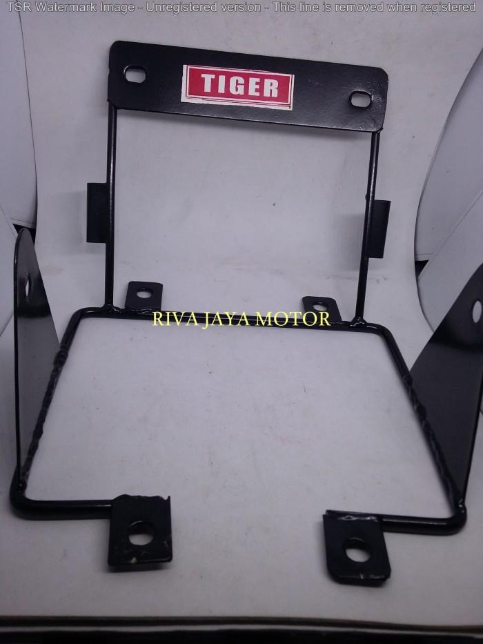 harga Breket pesek / dudukan lampu dan speedometer tiger lama megapro lama Tokopedia.com