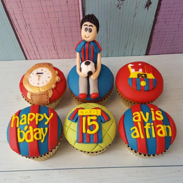Jual Cupcakes Barcelona Fondant Cakes Kue Ultah Tema Club Bola Kota Bandung Richcupcakes Tokopedia